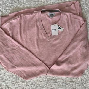 v-neck sweater; Old Navy; baby pink